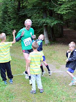 Lars-Ivar Ericson med barnbarn - Tyringe Lionloppet
